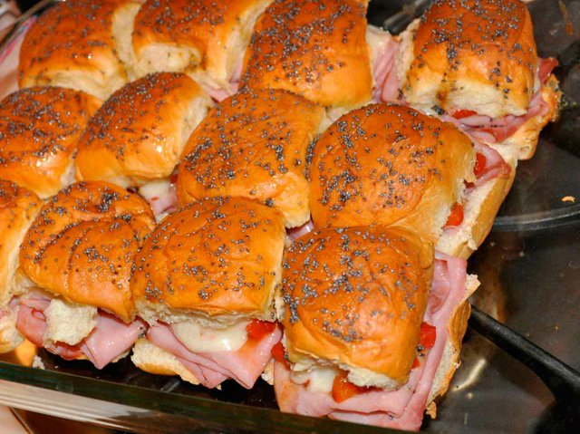 Ham Party Sandwiches with Roasted Red Pepper 1