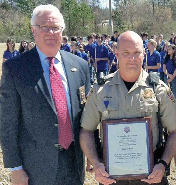 Deputy Morrow receives Medal of Valor
