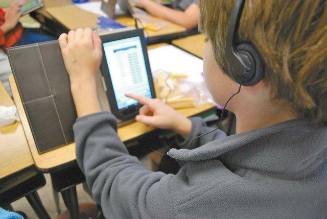 0812 Hoover City Schools Ipads + Nooks