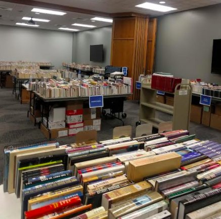 Hoover library spring book sale-3