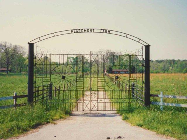 0712 Heardmont Farm Gates Larger