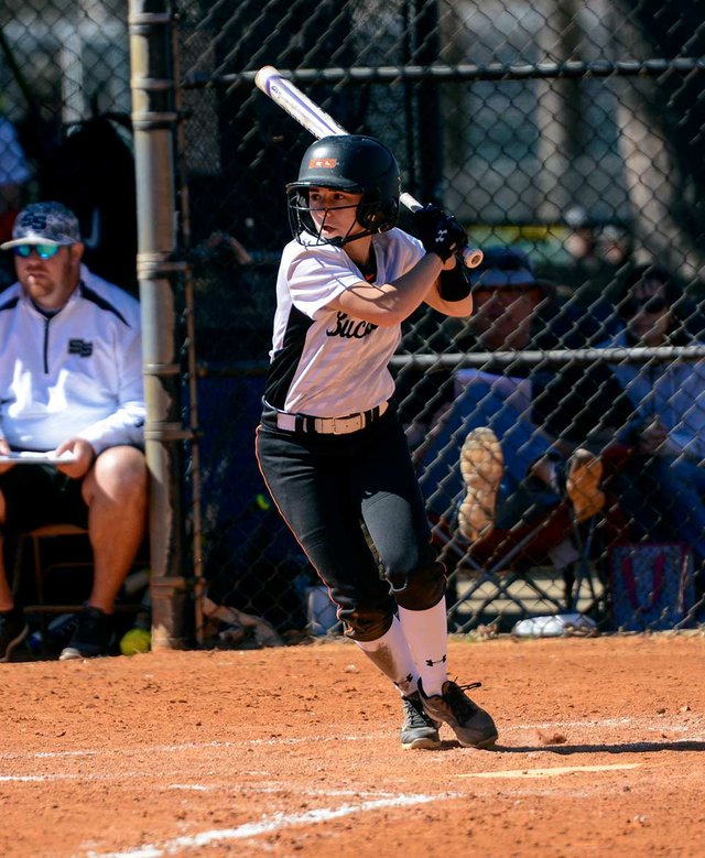 280-SPORTS-Softball-Scholarship-LeslieNorris3.jpg