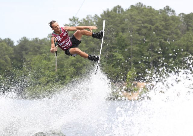 280 PHOTO - wakeboarding3.jpg