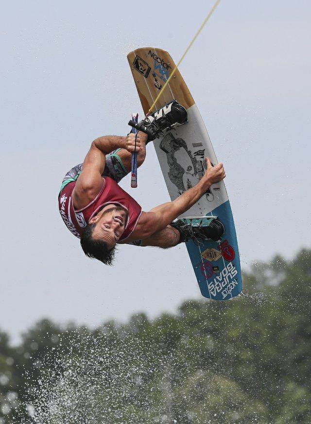 280 PHOTO - wakeboarding6.jpg
