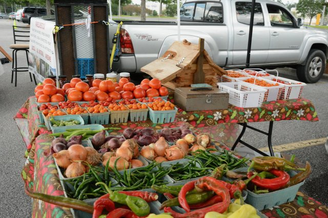 Summit Farmer's Market Photos - 3.jpg