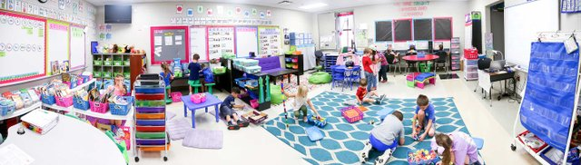 280-COVER-Flexible-Seating_Class-Pano.jpg