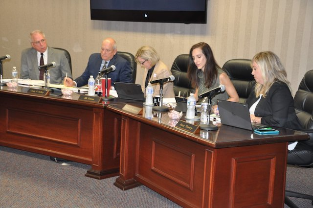 Hoover school board 8-15-17-1.jpg