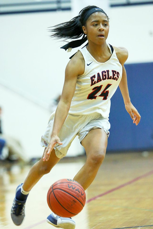 SPORTS---OMHSgirlsbball_JimmyMitchell_120916_KennedySmith8.jpg