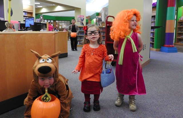 Hoover Library 2016 trick or treat-1.png