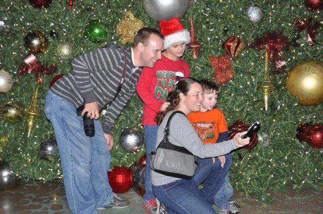 Hoover Christmas tree lighting 2017-35