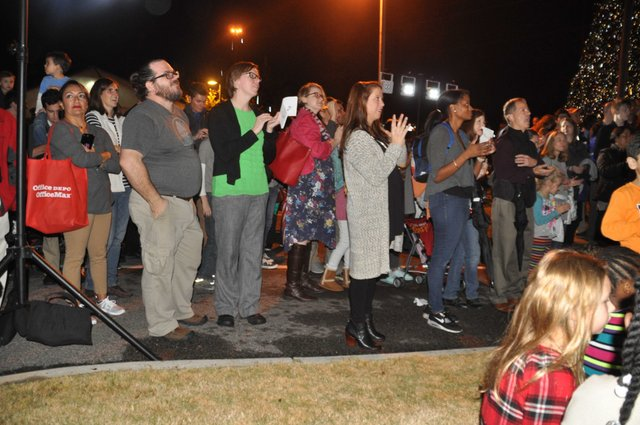 Hoover Christmas tree lighting 2017-18