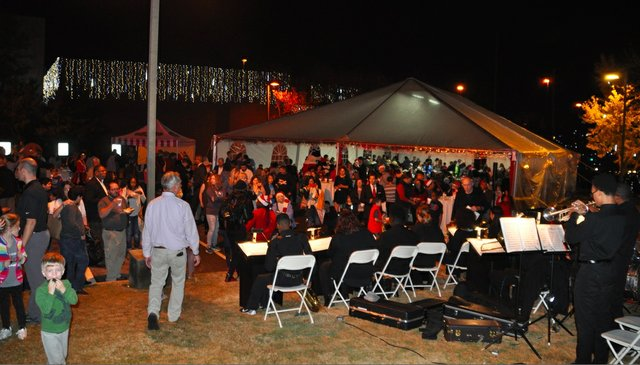 Hoover Christmas tree lighting 2017-33