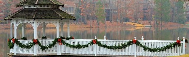 280 COMM Highland Lakes Holiday Home tour.jpg