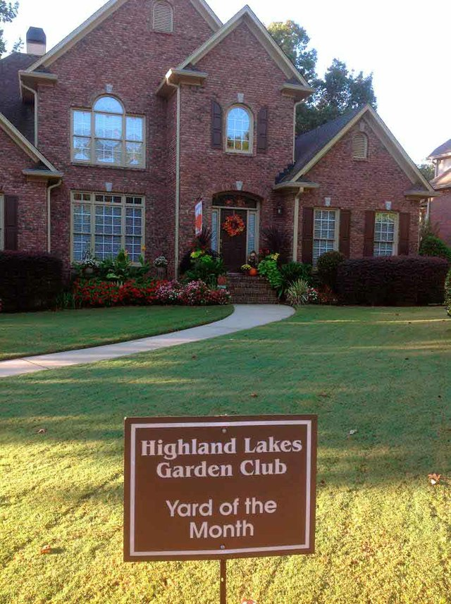 October Yard of the Month