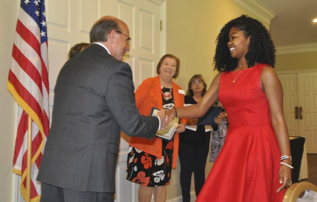 Hoover Service Club scholarships awards 2018 3