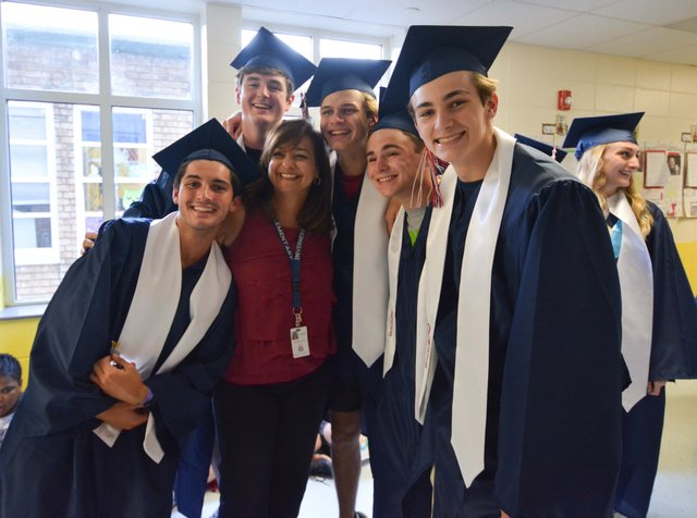 OMHS Senior Walk - May 16, 2018-7.jpg