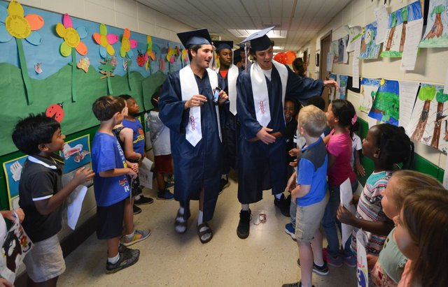 OMHS Senior Walk - May 16, 2018-3.jpg