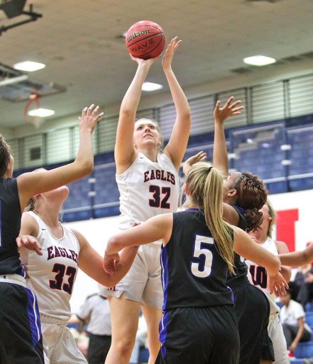 280-SPORTS-OM-girls-basketball.jpg