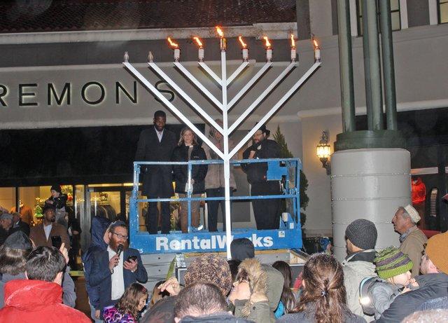 EVENTS-Chabad-Hanukkah-menorah-lighting.jpg