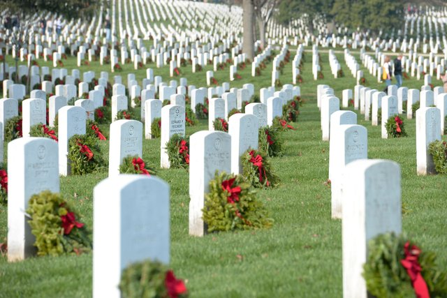 280-EVENTS-wreaths-across-america.jpg