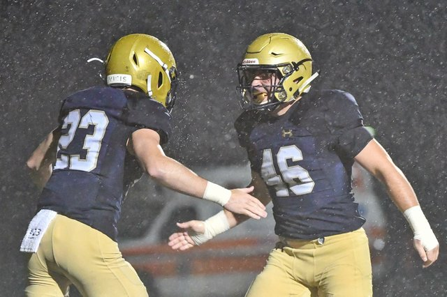 280-SPORTS-Football-recap_Briarwood.jpg