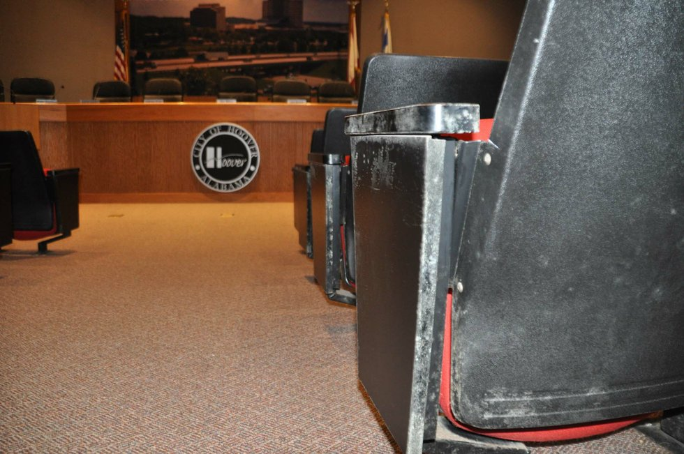 170803_Hoover_council_chambers