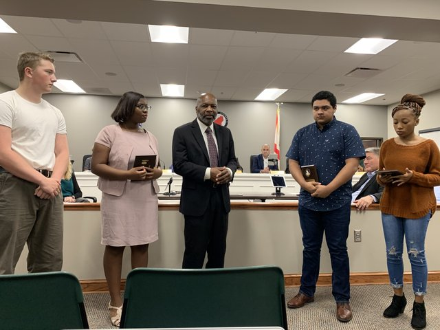 CTEC students present awards to sheriff's personnel