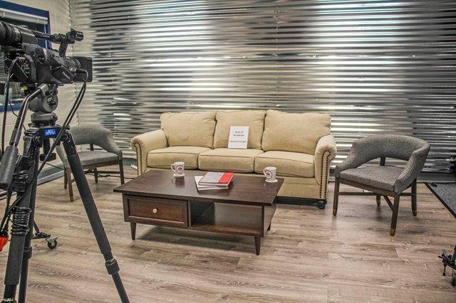 280-SH-Oak-Mountain-Media_Studio-Talk-Show.jpg