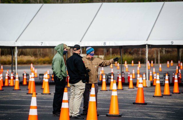 Hoover Met vaccine site set-up 28