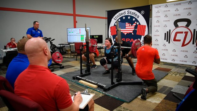FEAT---Chalk-Gym_Ali-squat.jpg