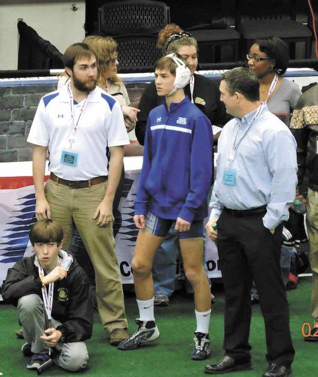 280-sports-Chelsea-wrestler-Ledbetter.jpg