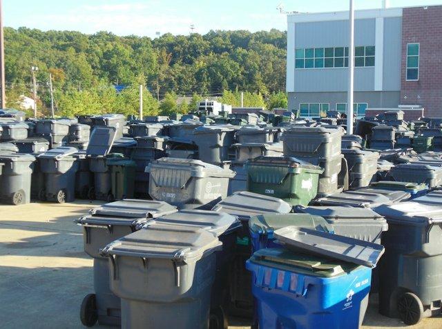 Hoover old garbage carts 10-6-15