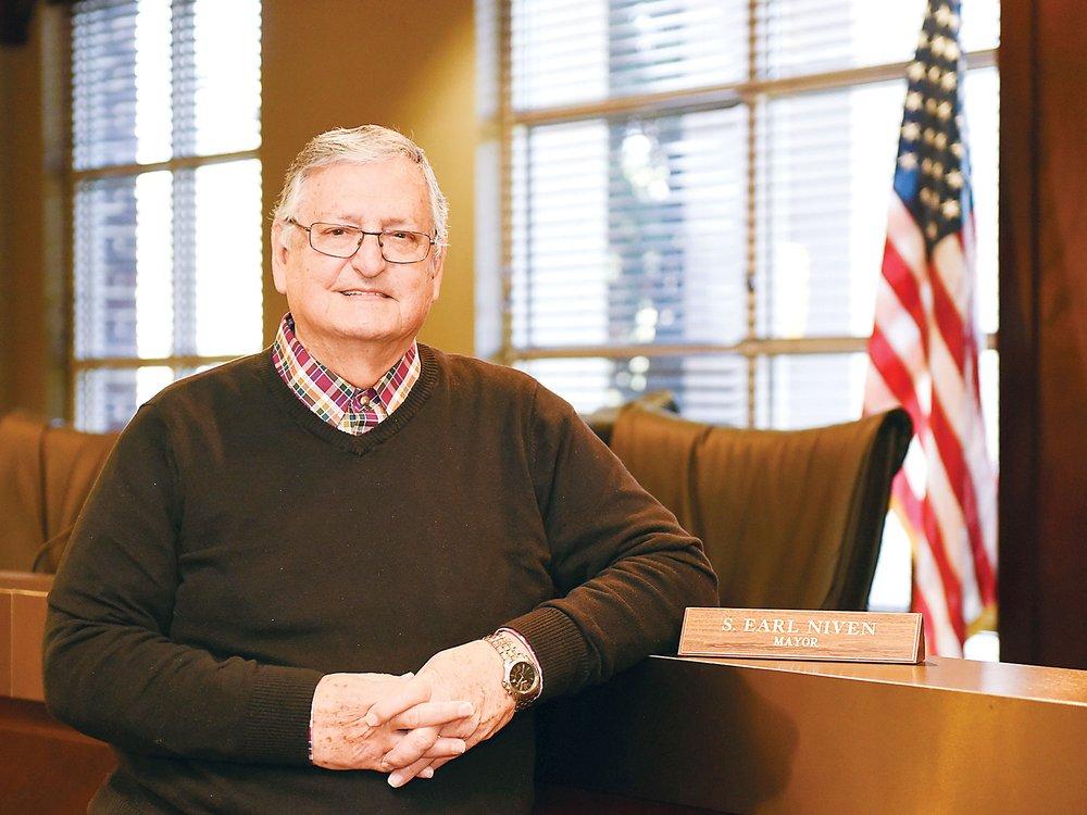 280-Chelsea-Election----Mayor-Earl-Niven.jpg