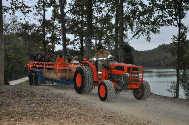 1013 Hoover Hay Ride