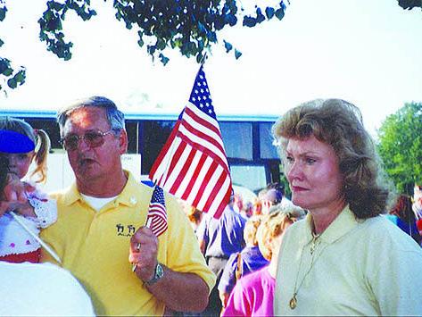 280 COVER Mayor Earl Niven Sept 11 2-1.jpg