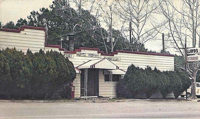 Lloyd's Restaurant old