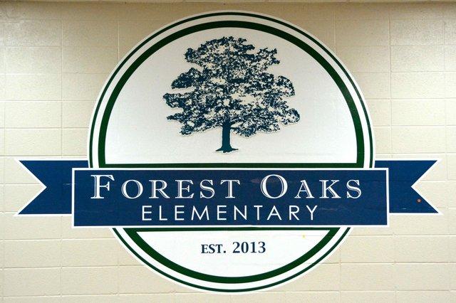 Forest Oaks logo